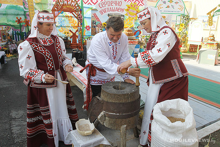 В Круглом отпраздновали областные «Дожинки-2015».