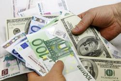 На торгах 7 декабря рубль укрепился к корзине за счет роста к российской валюте