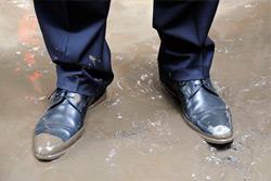 «Коммерческий» на связи: грязь на мини-рынке