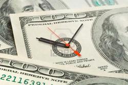 На торгах 11 января рубль упал к корзине за счет резкого роста и доллара, и евро